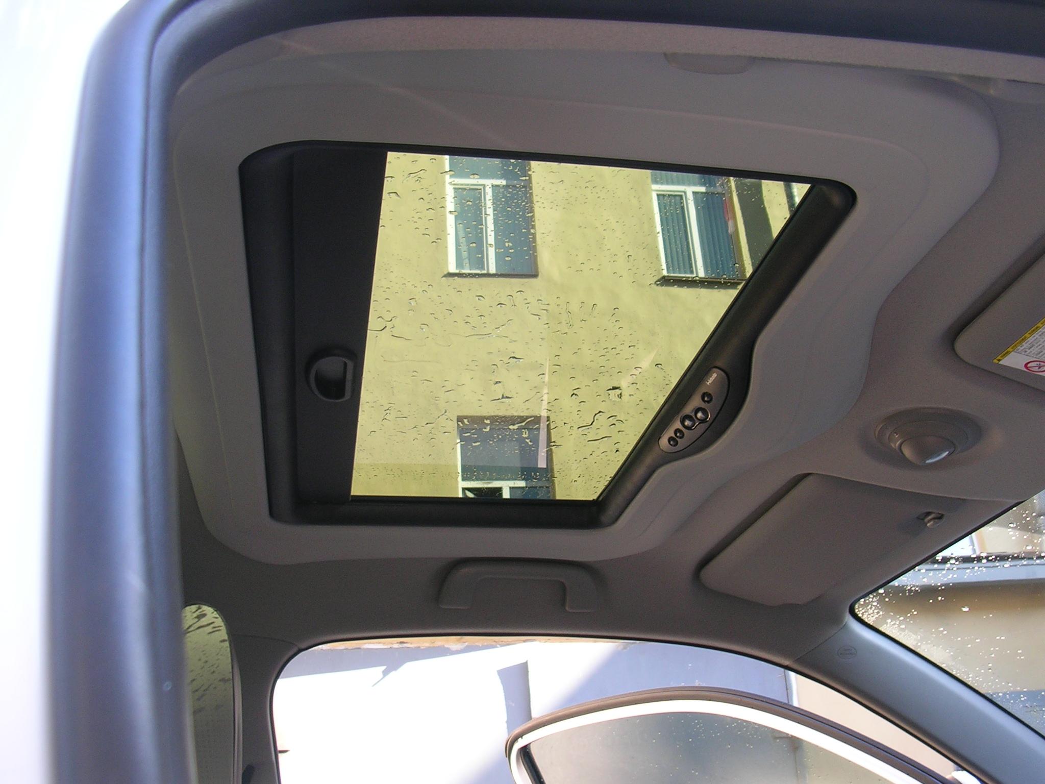 Установить на автомобиль
